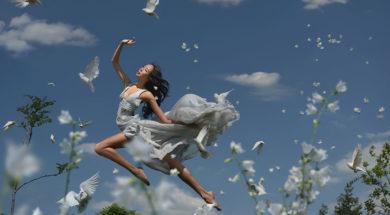 Levitation-577b55320f517__880