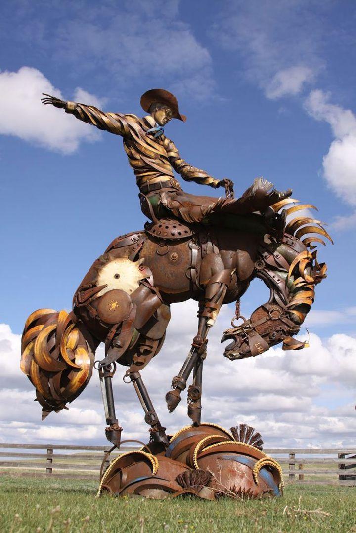 welded-scrap-metal-sculptures-john-lopez-7-683x1024