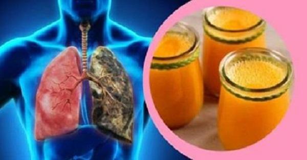 Palisz lub paliłeś papierosy? Koniecznie sprawdź ten przepis na oczyszczający płuca napój.