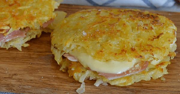 Lubisz placki ziemniaczane? Spróbuj tego nietypowego przepisu na placki z szynką i serem. Każdy je pokocha.