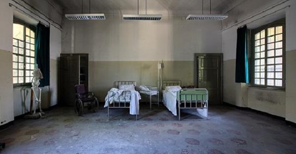 Ewakuacja szpitala w Raciborzu. Powodem rozprzestrzeniający się koronawirus.