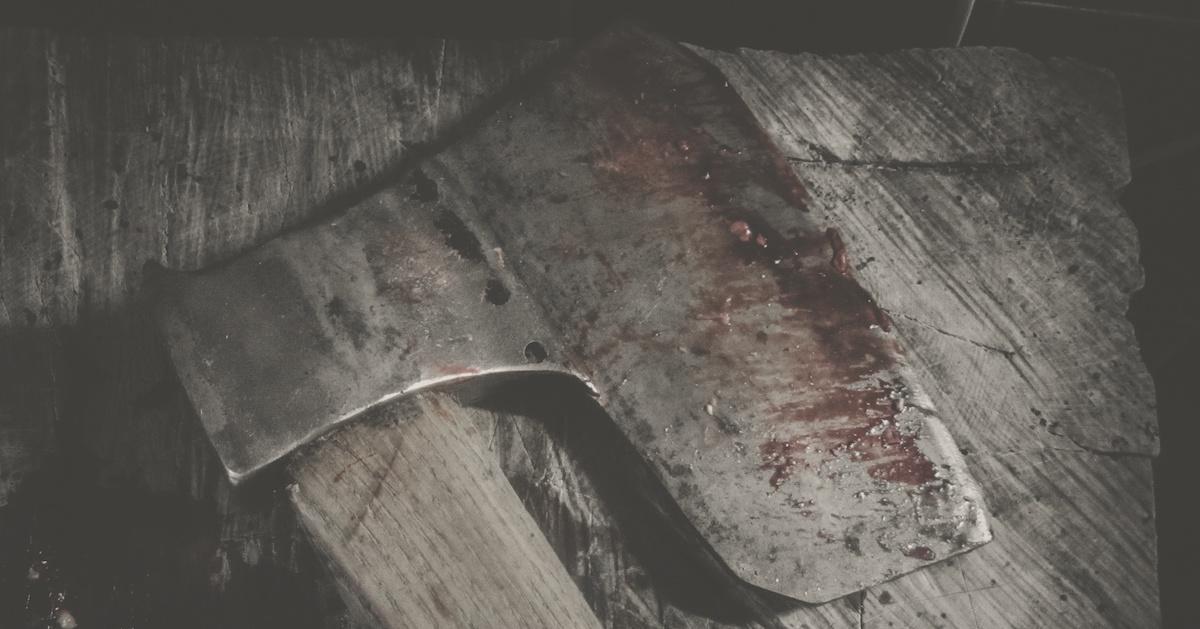Kapłan odrąbał głowę 52-letniego kolegi siekierą i złożył jego ciało w ofierze.