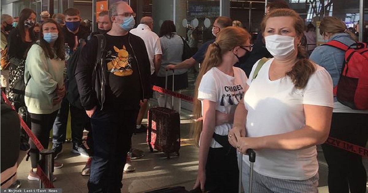 Koronawirus. Rząd wprowadzi kwarantannę dla wracających z wakacji?