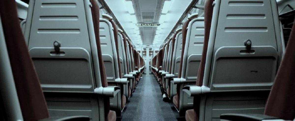Pilne ogłoszenie sanepidu. Trwają poszukiwania pasażerów pociągu, w którym wykryto koronawirusa.