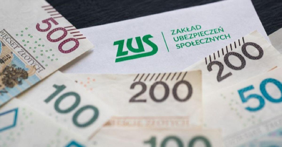 Nieoficjalne informacje: Emeryci dostaną dwa razy więcej pieniędzy? Znamy szczegóły nowego pomysłu.
