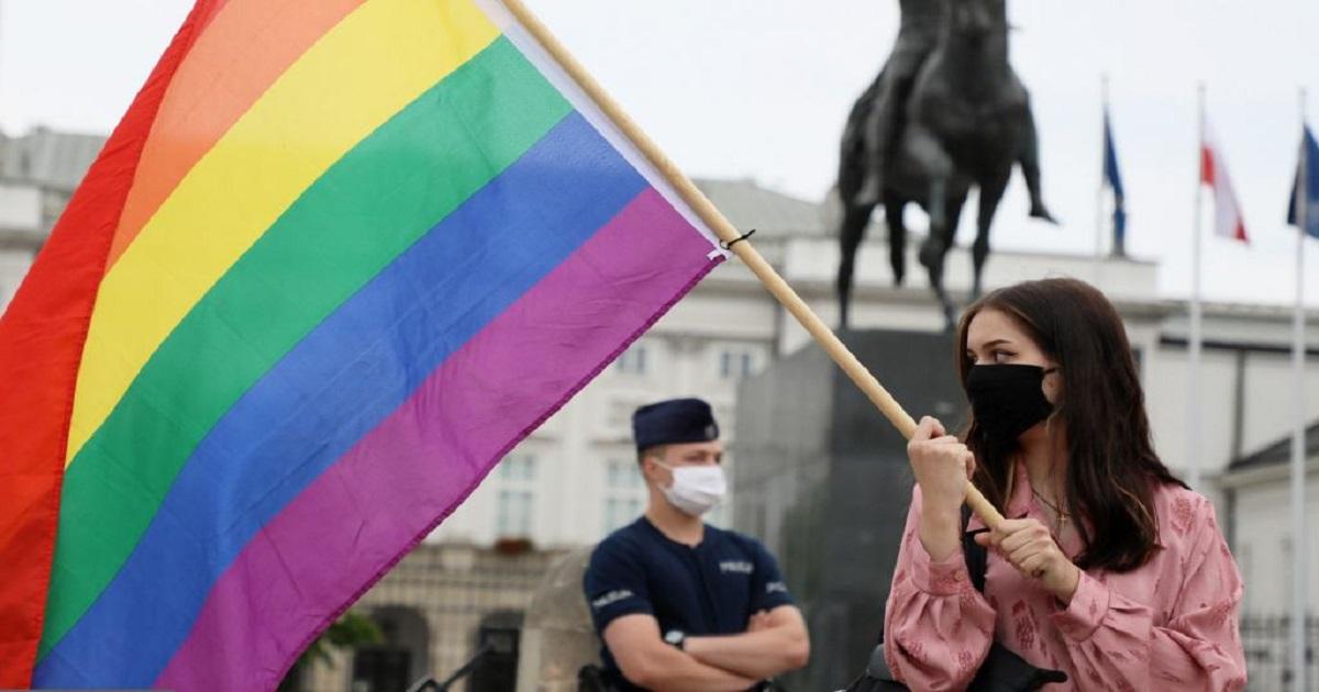 Zatrzymano pierwszych aktywistów LGBT+. Policja chwali się na Twitterze.