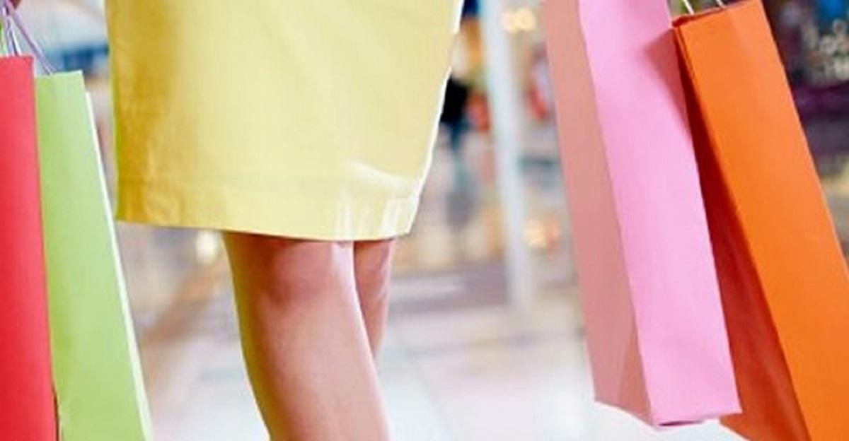 Zboczeniec wkładał kamerę pod spódnice kobiet. Zareagowali klienci.