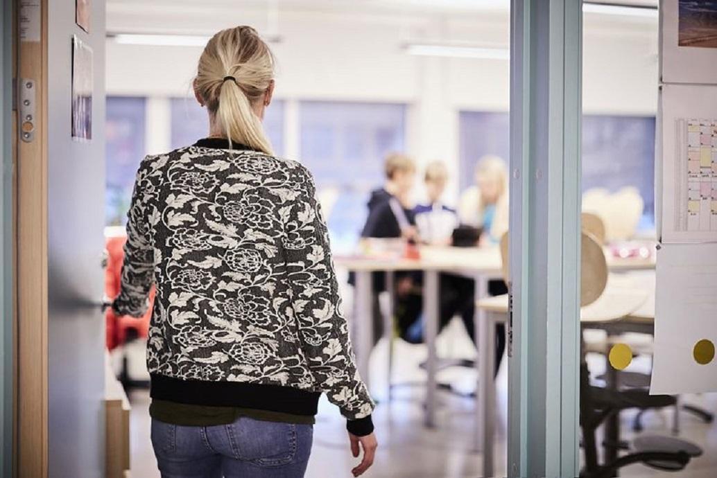 Nauczycielka postawiona w stan oskarżenia za uprowadzenie i seks z 14-letnim uczniem