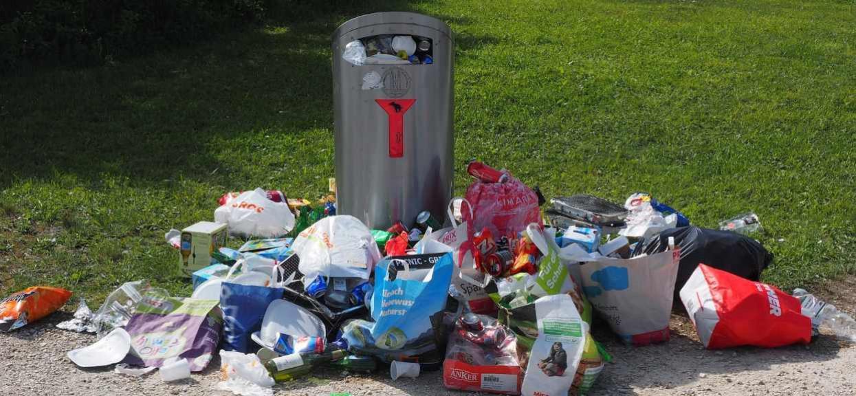 Czy popieracie wyższe kary za śmiecenie w miejscach publicznych?