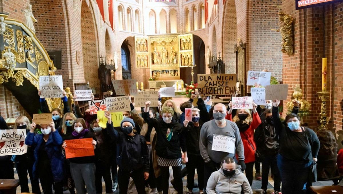 Archidiecezja Białostocka porównuje strajk kobiet do dzieł szatana