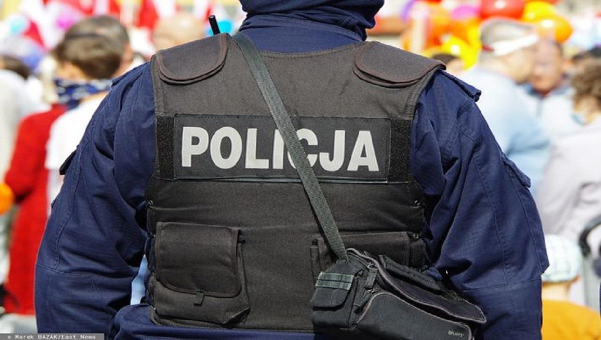 Były policjant otrzymał wyrok za gwałt na 20-letniej dziewczynie. Spędzi w więzieniu… dwa lata
