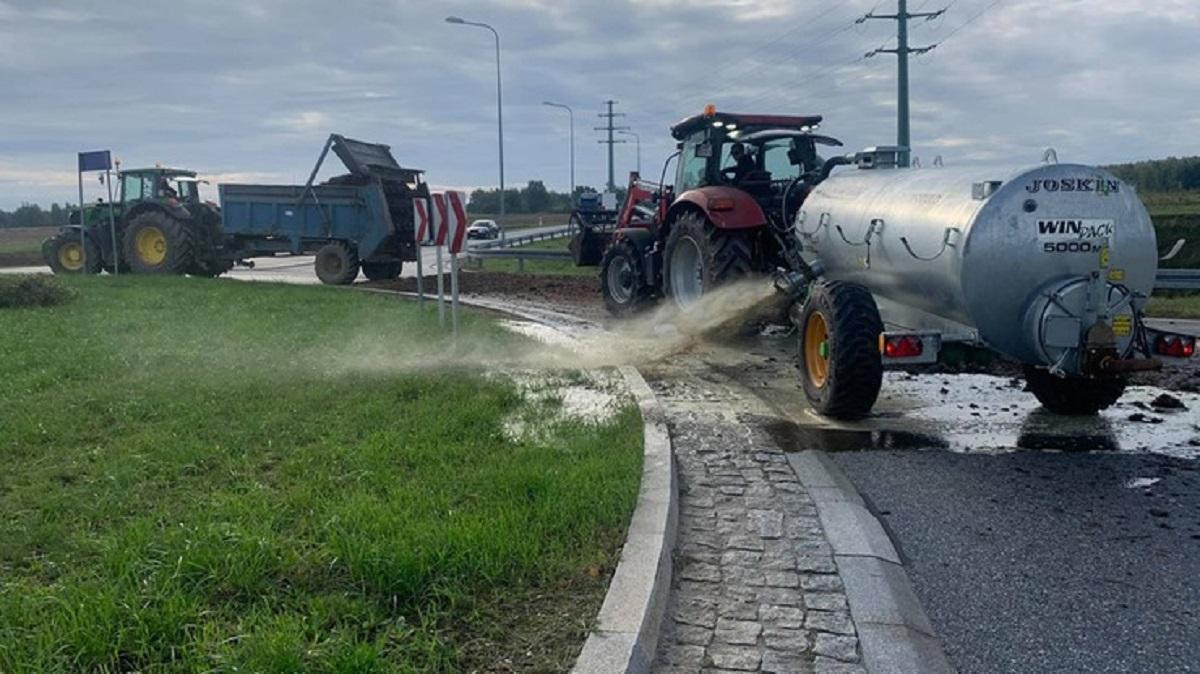 Protest rolników. Zablokowane drogi, gnojowica u posła