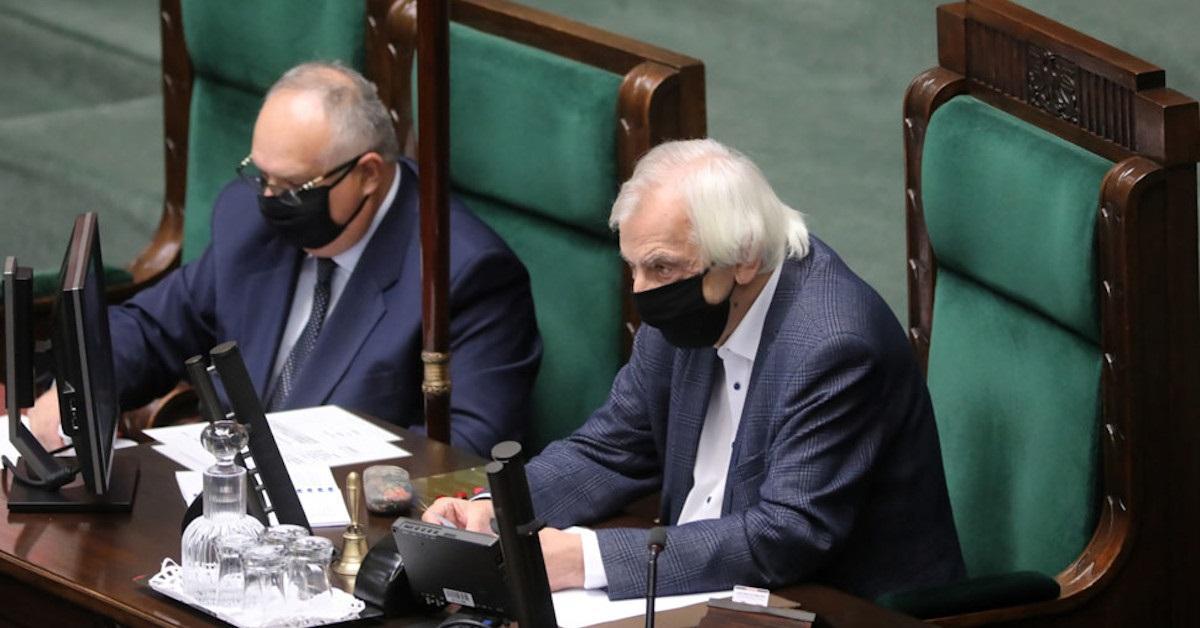"""PiS przegrywa walkę w sejmie. Nie udało się szybko """"przepchnąć ustawy"""". Kolejny plan PIS się nie powiódł"""