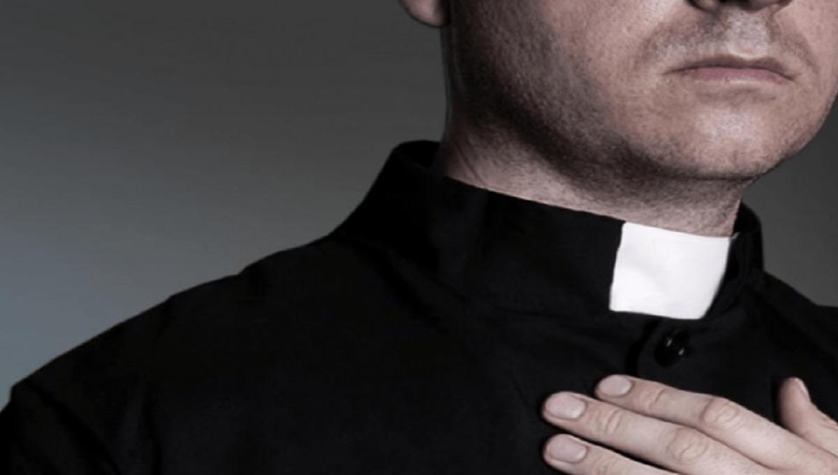 Polski ksiądz egzorcysta twierdzi, że otrzymuje sms-y od samego Szatana
