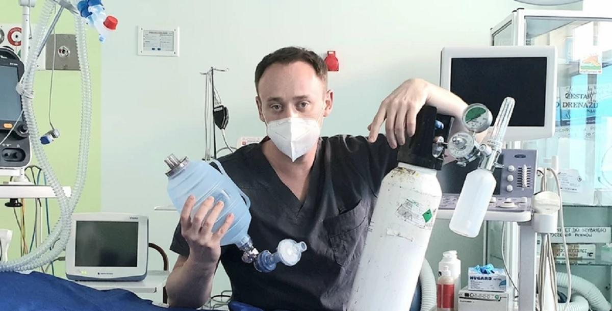 Dr Artur Szewczyk o ciężkim przypadku COVID-19: obrazowo można przyrównać płuca do gotującej się zupy