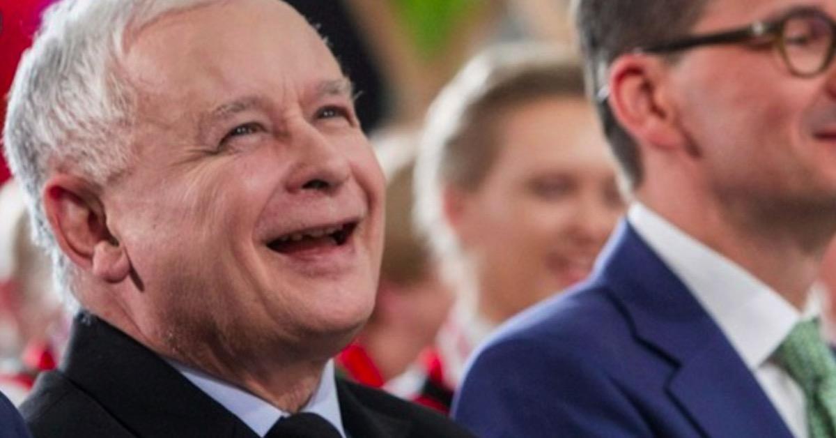 Jarosław Kaczyński ma powody do radości. Poparcie dla PiS rośnie w zastraszającym tempie.