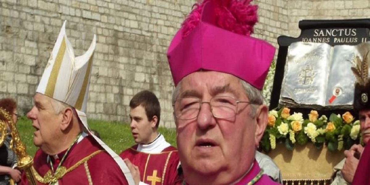 Arcybiskup Głódź pławi się w prawdziwych luksusach. Jego dom to istny pałac