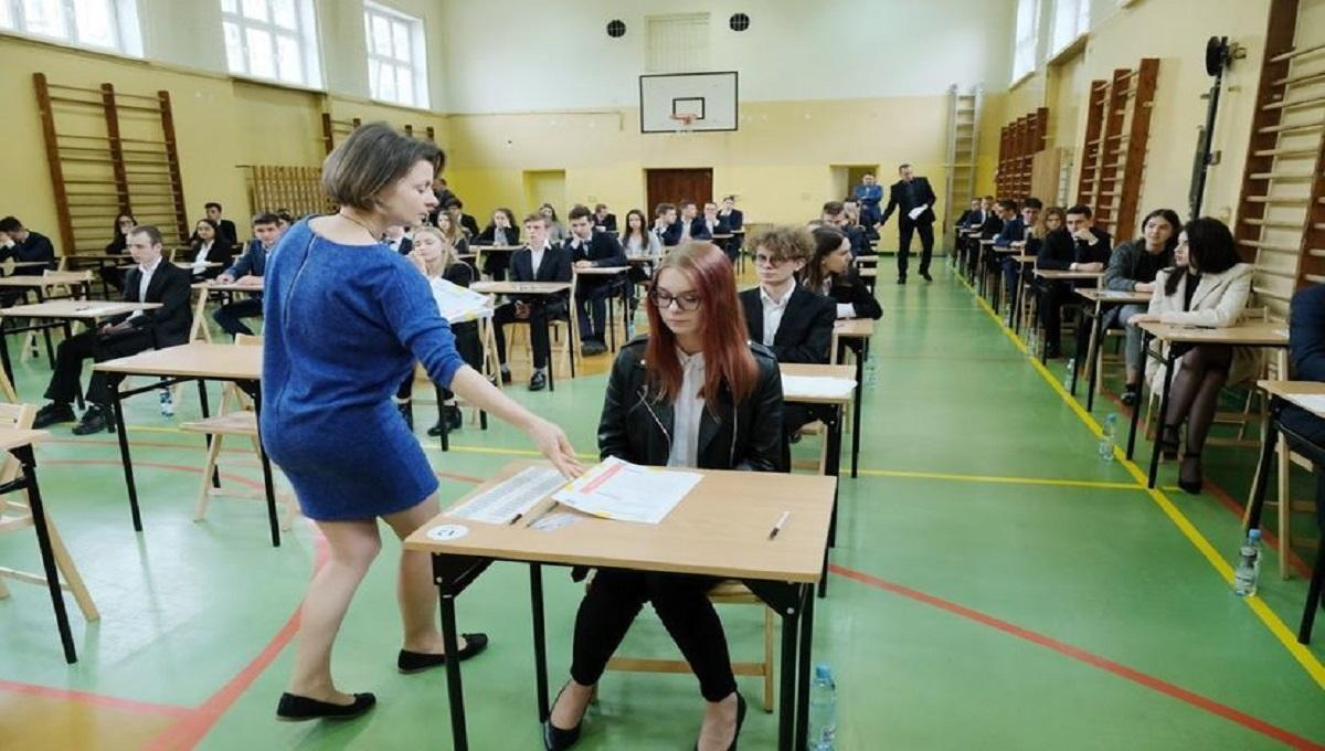 Zmiany na egzaminie ósmoklasisty i maturze. Ma być znacznie łatwiej