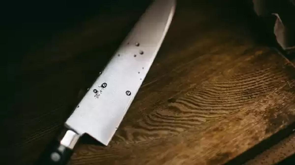 Dźgnęła nożem męża 39 razy, po czym umyła podłogę i włączyła pralkę. Sąd: była niepoczytalna
