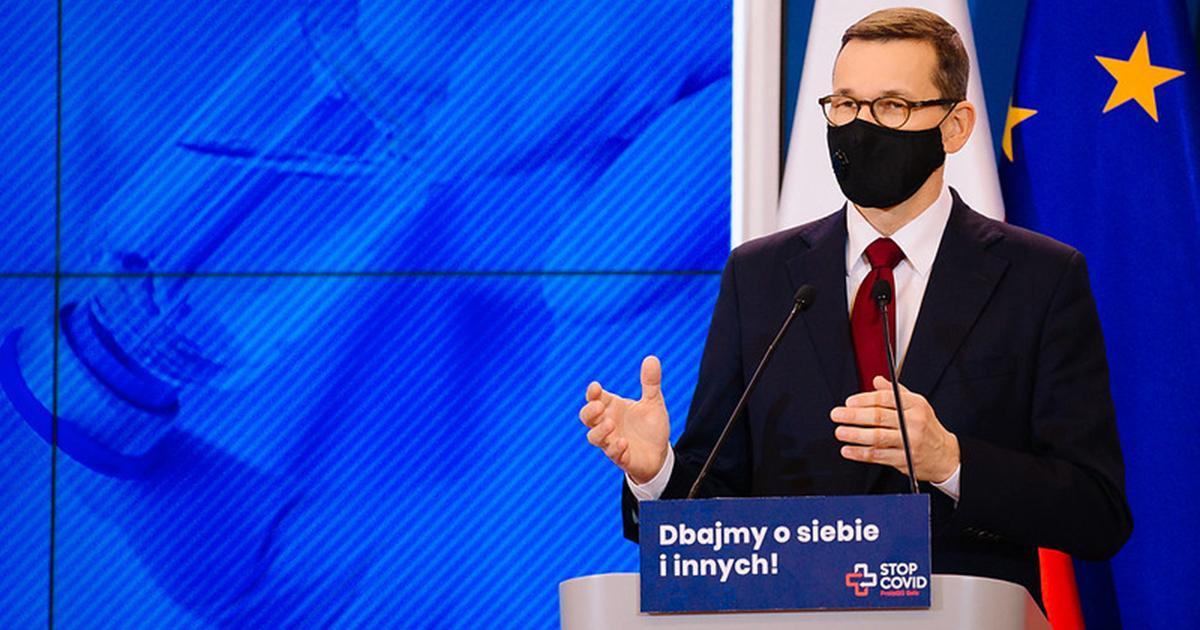 """Rząd wprowadził nowy podatek. Tłumaczy go """"troską o Polaków""""."""