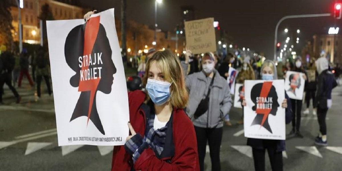Uważaj! Ministerstwo zapowiada kary za udział w strajkach. Wysyła już specjalne pisma, ciebie też mogą dotyczyć