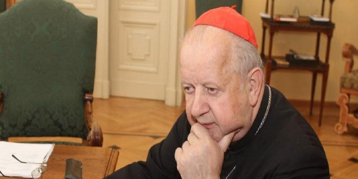Stanisław Dziwisz pod osłoną nocy wydał oświadczenie. Wzbudza ono prawdziwy szok
