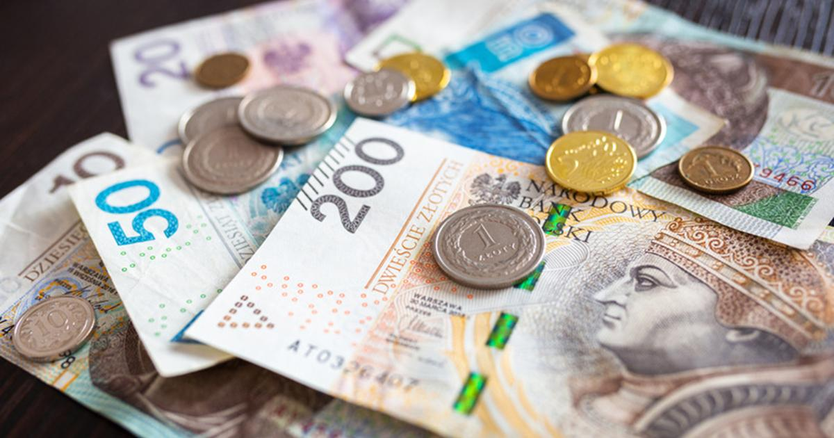 Polacy będą zarabiać więcej. Rząd podnosi płace.