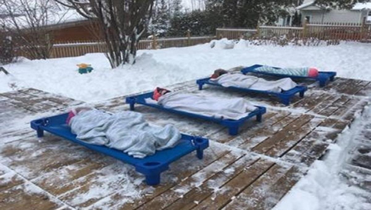 Temperatura na minusie, a dzieci śpią na dworze?! To zdjęcie wywołało oburzenie