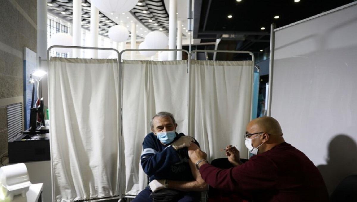 """Izrael wprowadza dla zaszczepionych tak zwane """"Zielone Paszporty"""""""