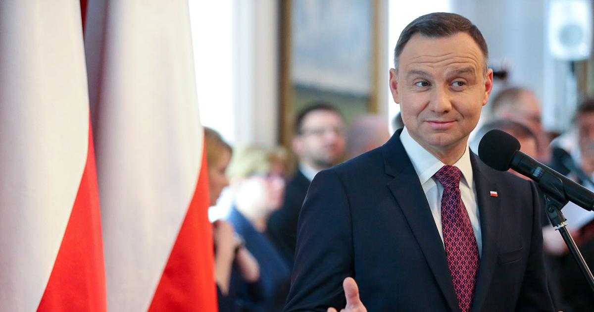 Andrzej Duda pokazał swoje zdjęcie z młodości. Zobacz jak prezydent wyglądał w mundurze harcerskim.