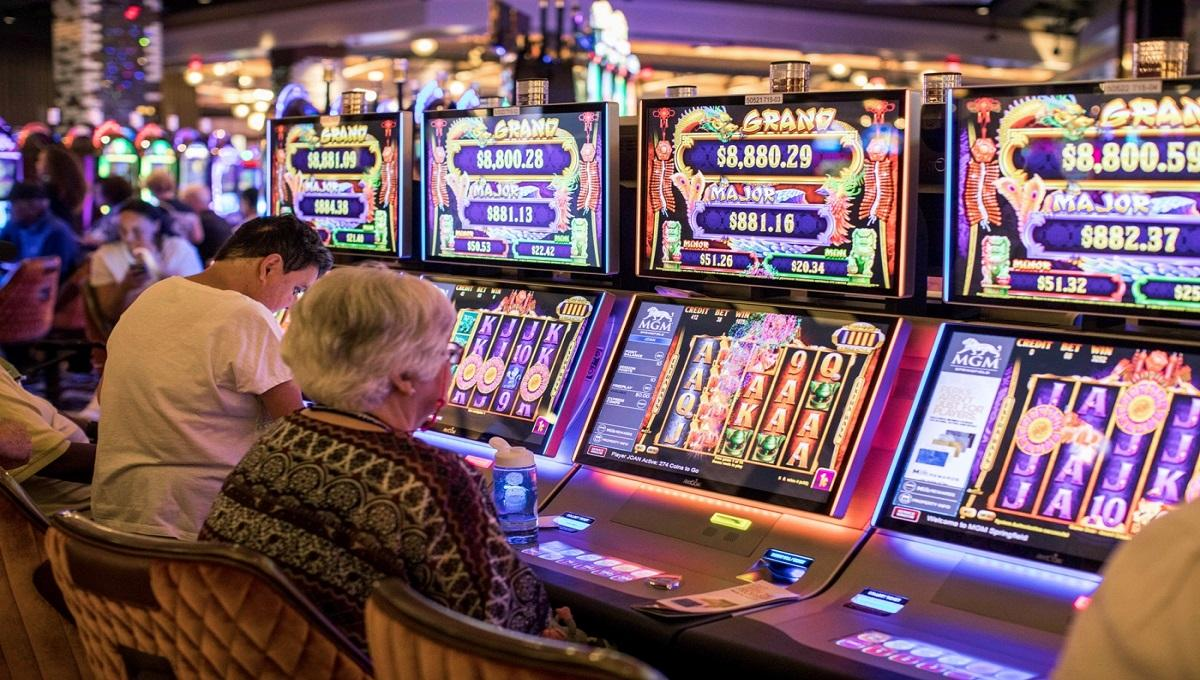 Nagłe poluzowanie restrykcji. Rząd otwiera kasyna.