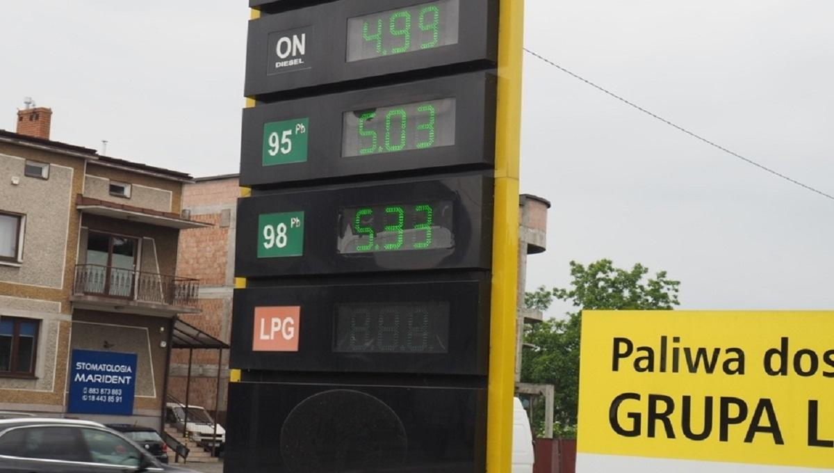 Paliwo najdroższe od przeszło 11 miesięcy. Wracamy do ceny 5 złotych za litr.