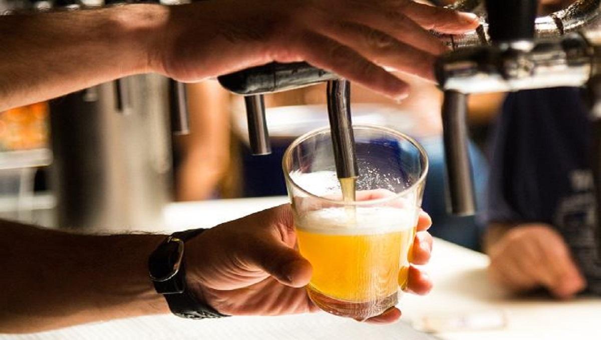 Złe wieści dla miłośników piwa. Będzie droższe nawet o 400%? Jest projekt ustawy.