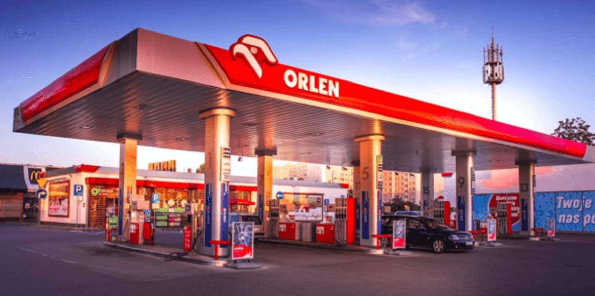 Orlen zakupił Polska Press. Zapłacił o wiele więcej, niż warte jest przedsiębiorstwo.