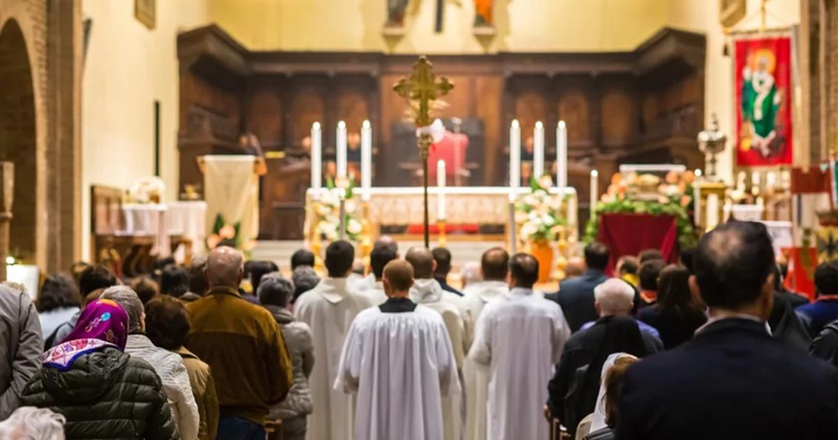 Zakażona koronawirusem wzięła udział w mszy. Sanepid poszukuje wiernych.