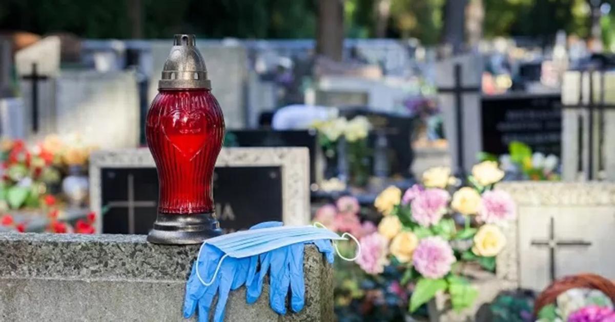 60-latek zmarł w trakcie pogrzebu. Upadł na oczach wszystkich żałobników.