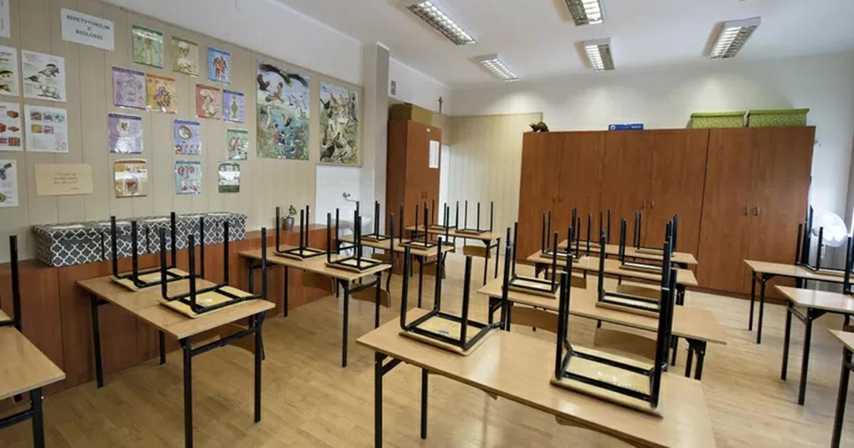 Kiedy powrót uczniów do szkół? Wiceminister edukacji podał konkretny termin.
