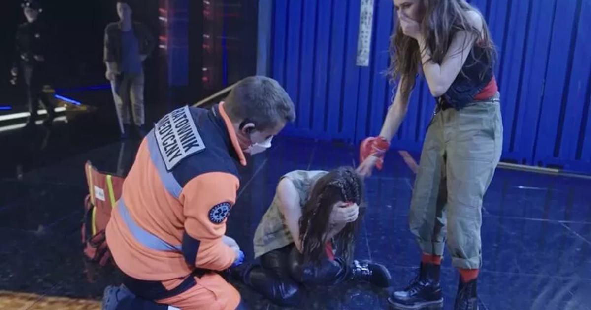 """Okropny wypadek na scenie """"Dance, Dance, Dance"""". """"To było szokujące i paraliżujące dla wszystkich""""."""