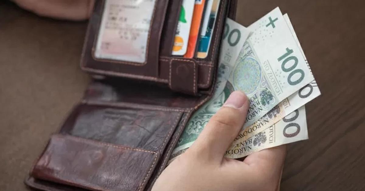 Szykuje się podwyżka pensji? Nawet 500 zł więcej.