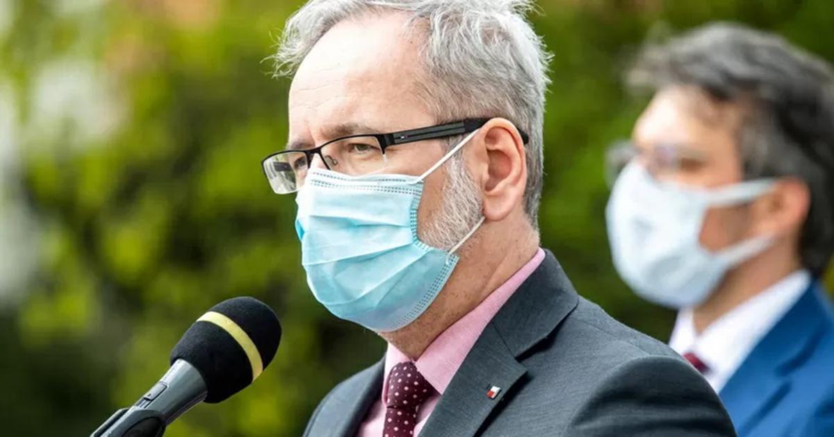 Kiedy szczepienia 16- i 17-latków? Minister zdrowia zabrał głos.
