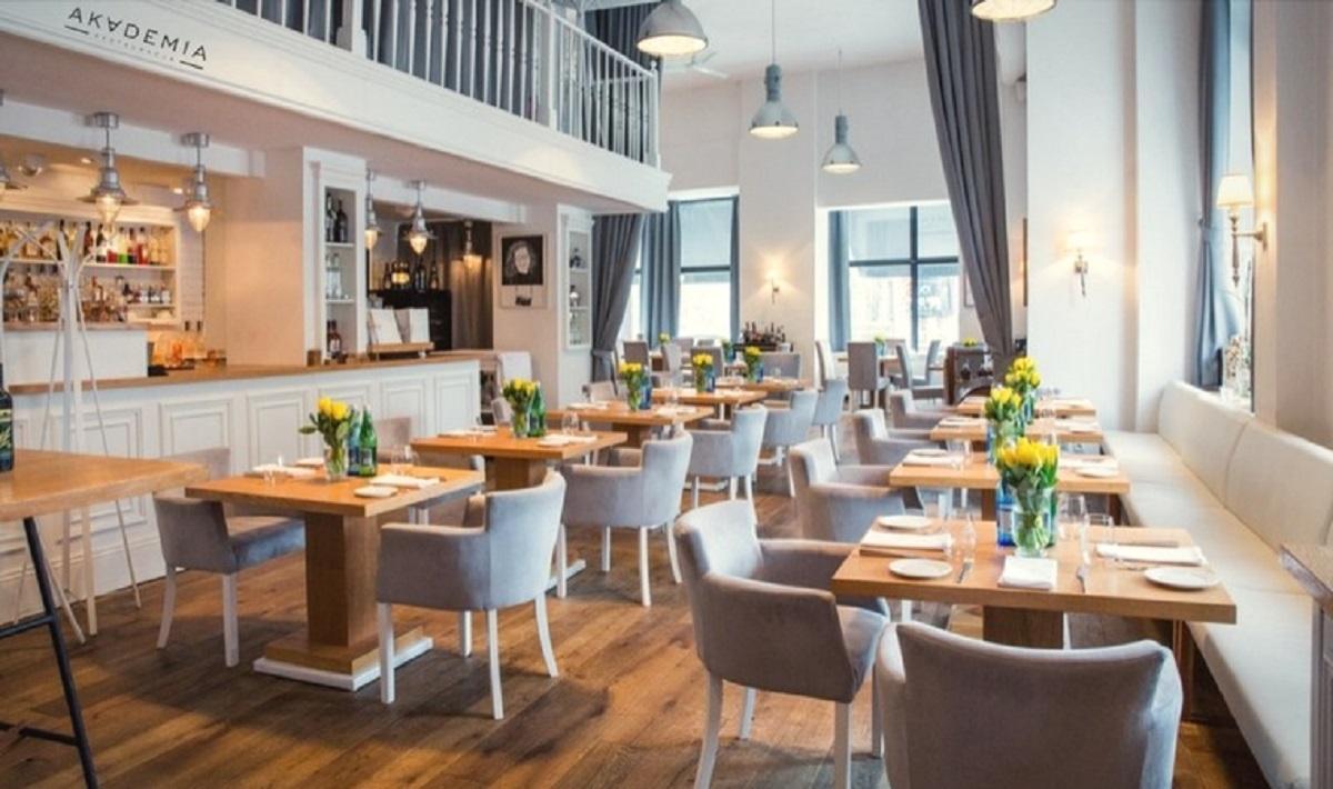 Luzowanie obostrzeń wywołało prawdziwy boom restauracyjny.