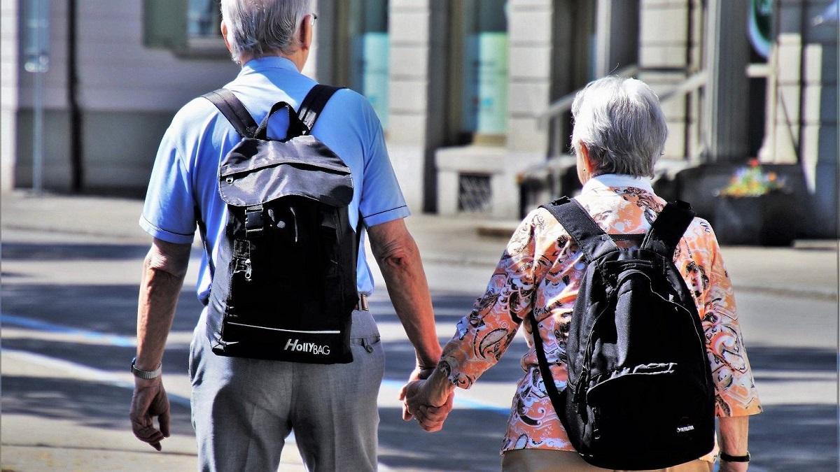 Seniorzy już czekają na bon turystyczny. Tak będzie wyglądać 500+ dla emerytów.
