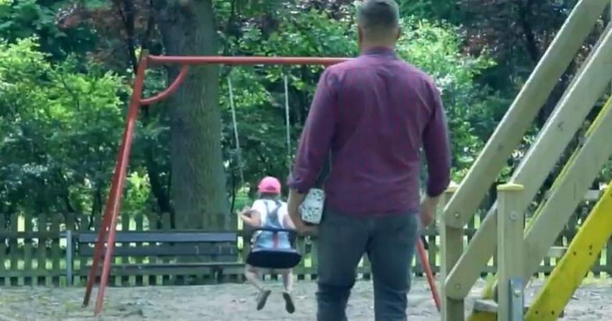 Każdy rodzic powinien to zobaczyć. Przerażające nagranie z placu zabaw.