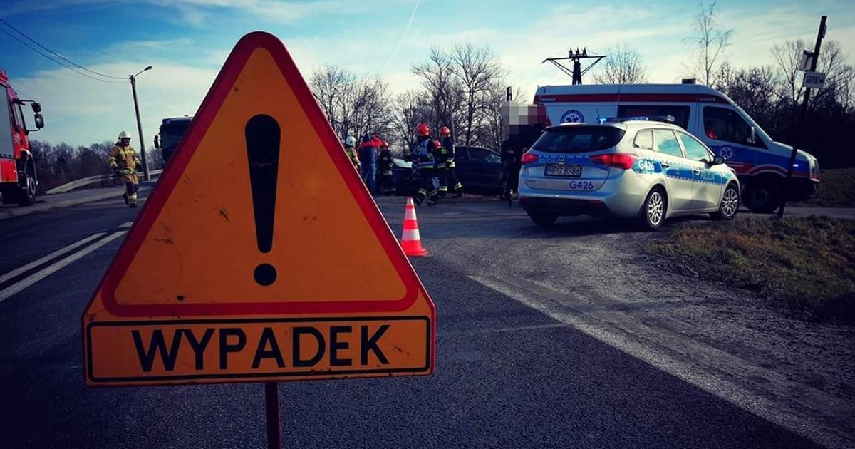 Tragiczna seria na drogach. Piesi giną pod kołami samochodów.