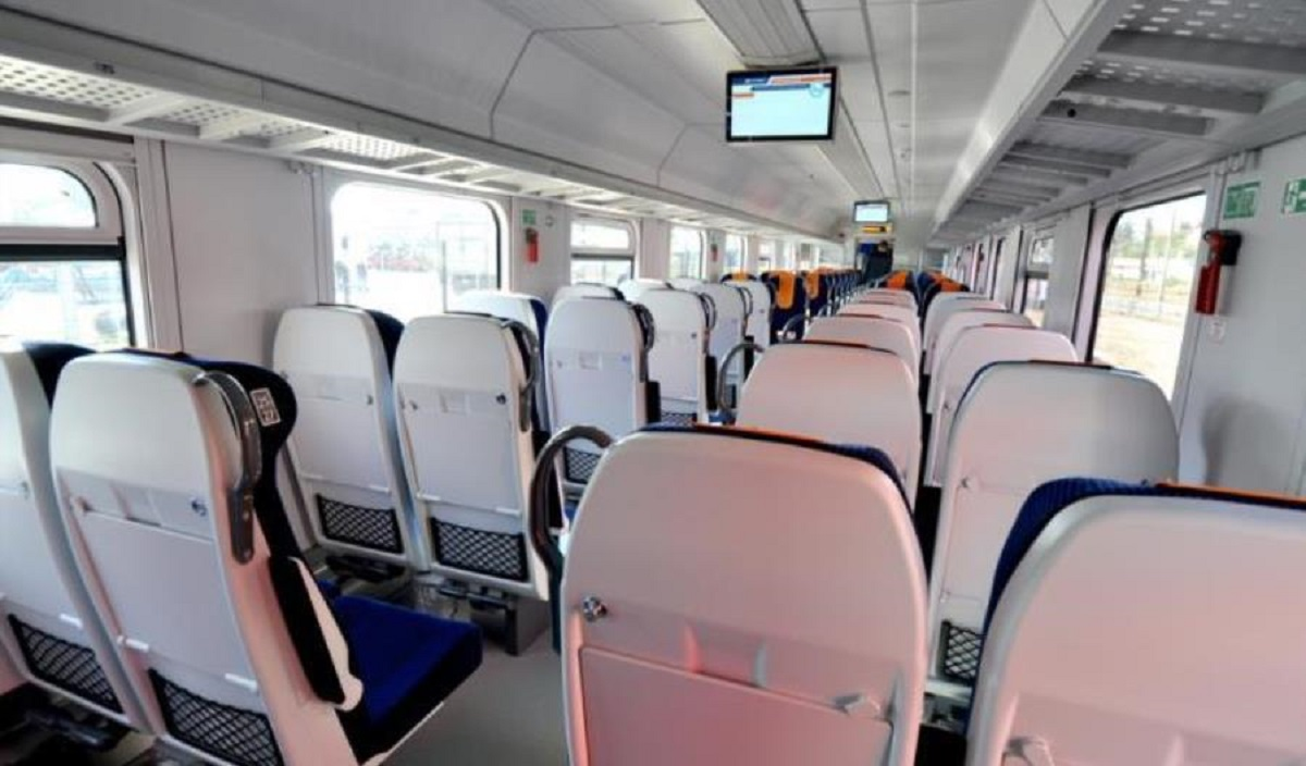 Koronawirus w pociągu. Sanepid poszukuje pasażerów.