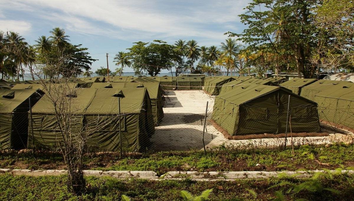 """To absurd do czego doprowadziła psychoza koronawirusa. """"Obóz-Izolatorium"""" jak obozy podczas II Wojny Światowej."""