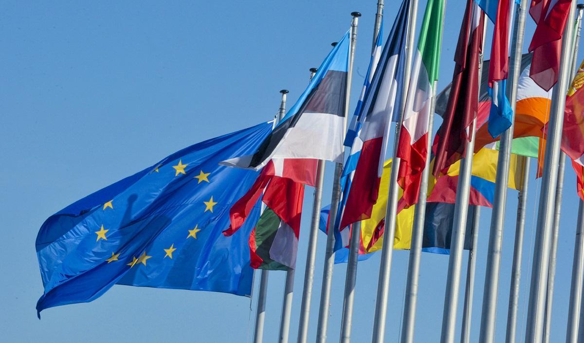 Miliardy euro dla Polski zostały wstrzymane przez UE. Inne kraje popierają tą decyzję.