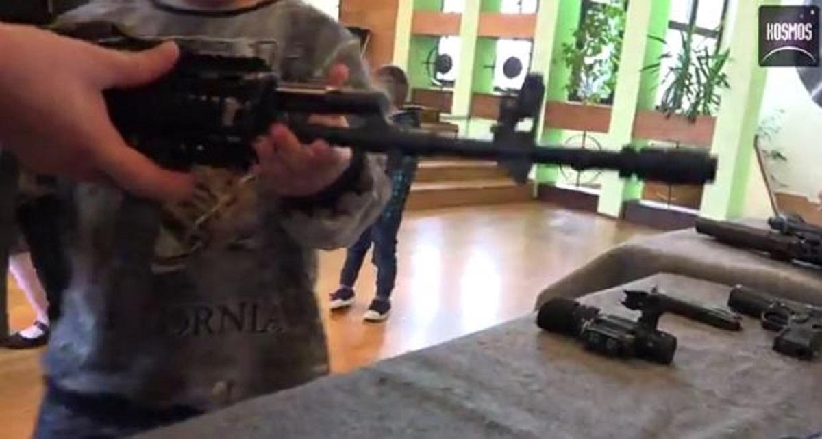 Dramatyczne wydarzenia w Toruniu. Młody chłopak postrzelił mężczyznę bo ten zwrócił mu uwagę.
