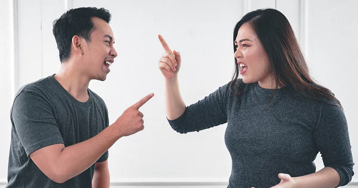 Podejrzewasz, że partner cię zdradza? Zadaj mu te 4 pytania.
